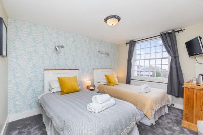 Room 4 - Twin Single Bed
