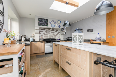 Bright and Tidy Kitchen